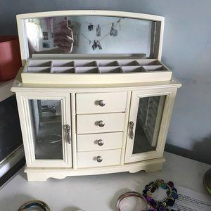 Jewelry Box/Chest
